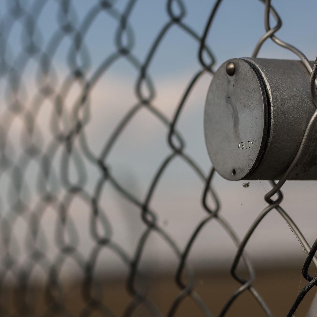 fence-1699189_1920